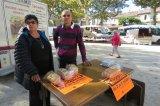 Vente de brioches sur le marché